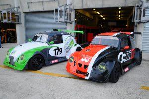 Les deux voitures du team ZOSH Compétition impeccablement présentées en début de saison (2014)